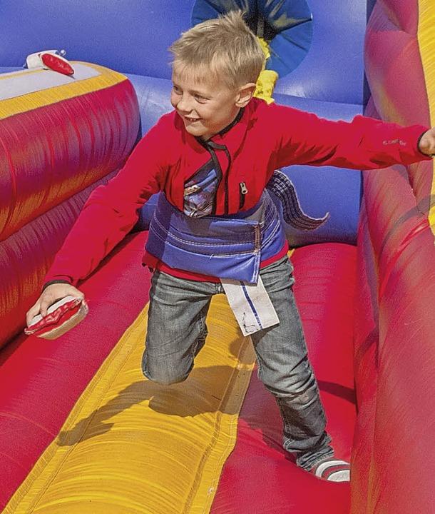 Bungee Run: Attraktion für die Kinder und immer stark frequentiert.  | Foto: Chris Seifried