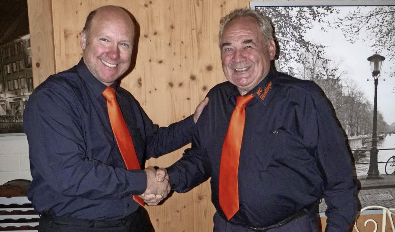 Dietmar Grether (links) ernannte Franz...es Männerchors Liederkranz Gündlingen.  | Foto: Christine Weirich