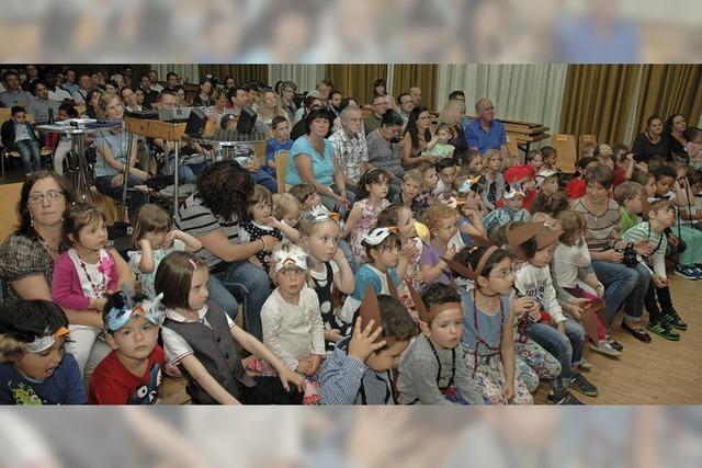 88 Kinder aus 14 Nationen beisammen