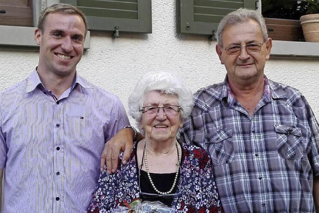 Vorsitzender  Daniel Nösel, Passivbeis...n Vorstand Jochen Anders (von links).   | Foto: ELLESER