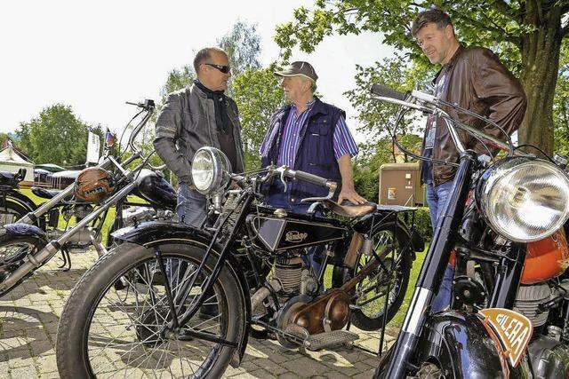 Alte Motorräder sind ein Blickfang