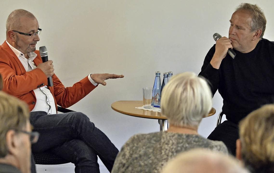 Nachdenkliches Gespräch: Alexander Dick (l.),  Matthias Deutschmann    Foto: Michael Bamberger