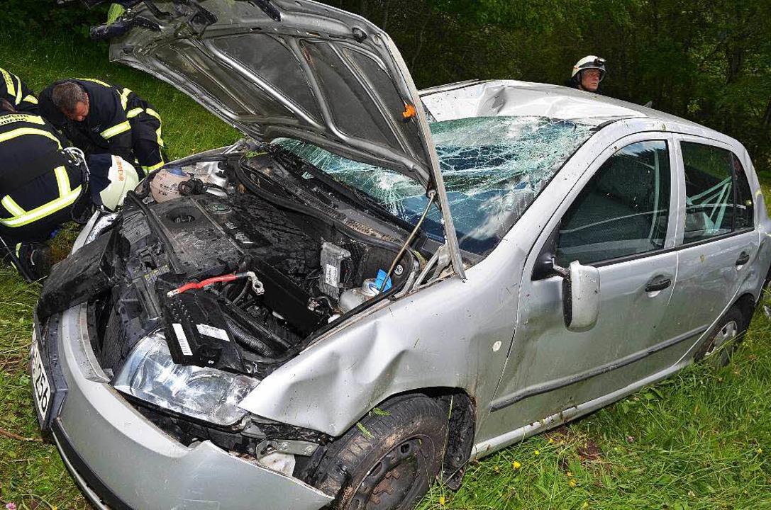 Die Autos wurden schwer beschädigt.      Foto: M. Ganz