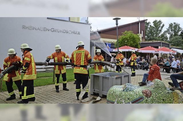 Historische Exponate und Einblick in Feuerwehrarbeit