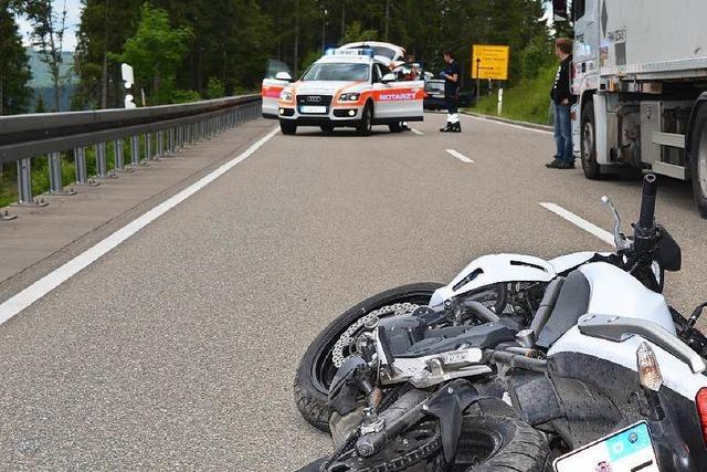 52-jährige Motorradfahrerin verunglückt tödlich