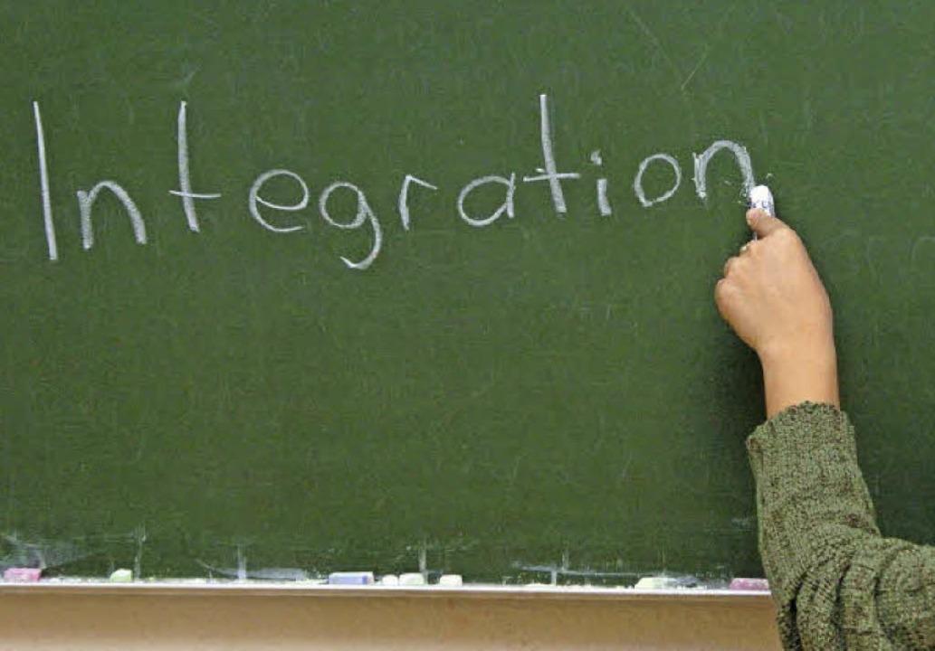Weil sie die Integrationsarbeit mit de...ben an das Kultusministerium gewandt.   | Foto: dpa