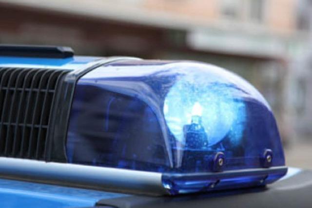 Amokfahrt mit geklautem Auto – Polizei verfolgt Blutspur des Fahrers