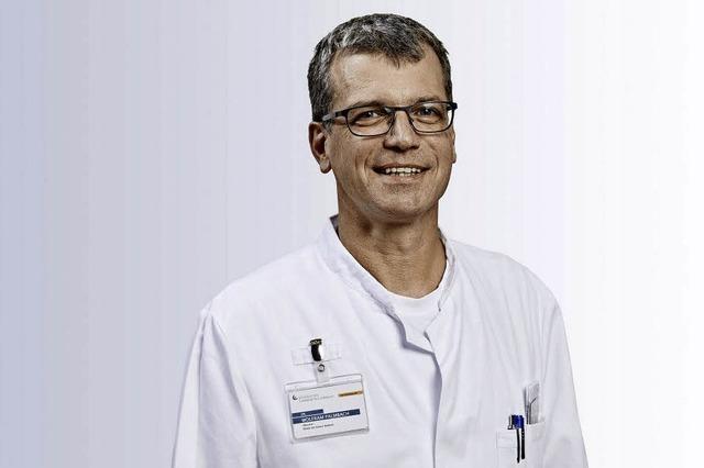 Oberarzt Wolfram Palmbach spricht über die Entwicklung des Schlaglabors im Kreiskrankenhaus