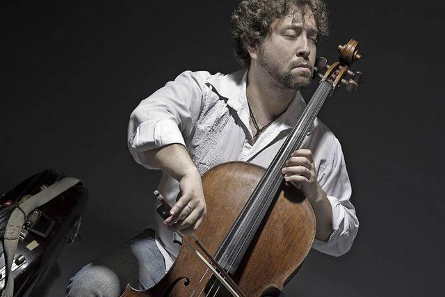 Der Cellist Denis Zhdanov spielt Klassik im Collegium Borromaeum