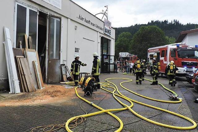 Flammen in Schreinerei in Waldkirch