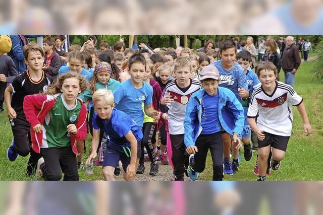 Schüler rennen für Waisenkinder in Kenia