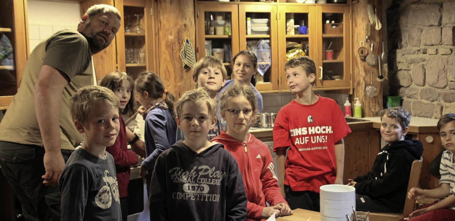 <BZ-FotoAnlauf><BZ-Keyword>Junge Exper...> Karlschüler lernen, gesund zu leben.  | Foto: Ökostation