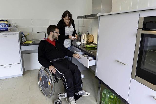 Wie Körperbehinderte in einer WG für ein selbständiges Leben trainieren