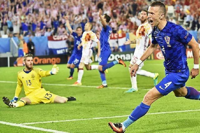 Kroatien schlägt Titelverteidiger Spanien mit 2:1