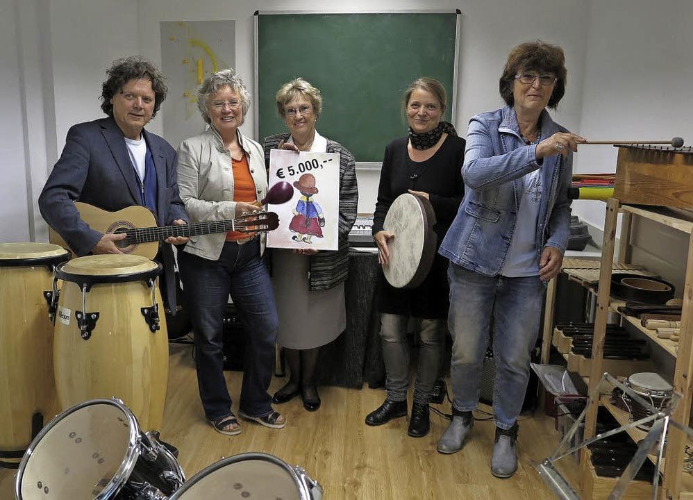 Unterstützung für die Musiktherapie in...Simone Maier-Hanemann und Heike Sigl.   | Foto: Dorothee Philipp