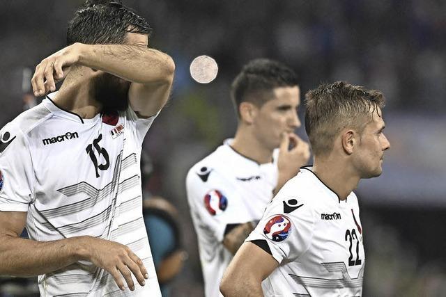 Amir Abrashi und seine Albaner erleben nach Last-Minute-Aus eine Achterbahnfahrt der Gefühle