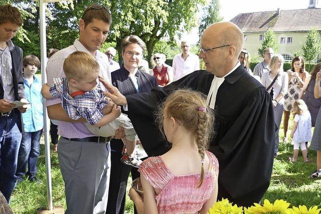 Die Taufe als fröhliches Gemeinschaftserlebnis