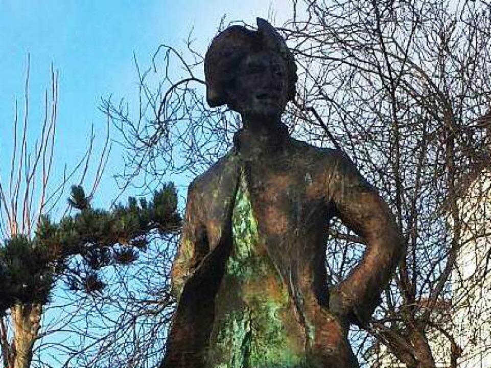Später rehabilitiert: Denkmal de la Barres  | Foto: Saskia Schiedel