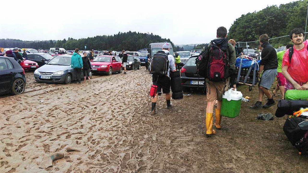 Nur noch Schlamm nach dem Unwetter beim Southside-Festival.  | Foto: privat