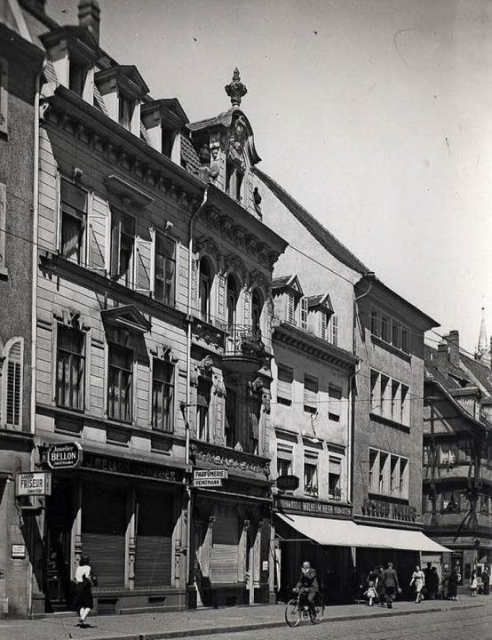 Die Häuserzeile an der heutigen Kaiser...tstanden  nach dem Zweiten Weltkrieg.   | Foto: Augustinermuseum/Michael Bamberger