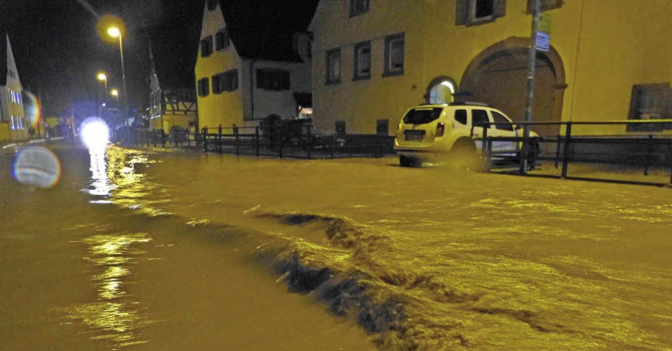 Hochwasser Köndringen  | Foto: Aribert Rüssel