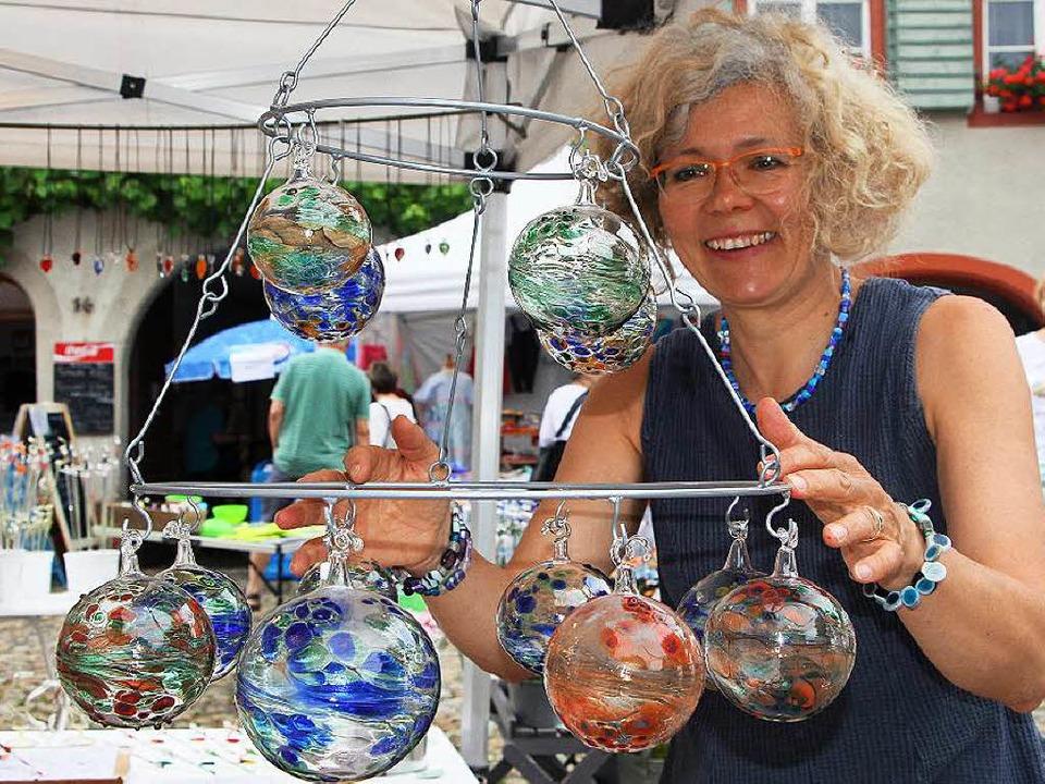 Kunst und Genuss standen beim Vogtsburger Kunsthandwerkermarkt im Mittelpunkt.   | Foto: Herbert Trogus