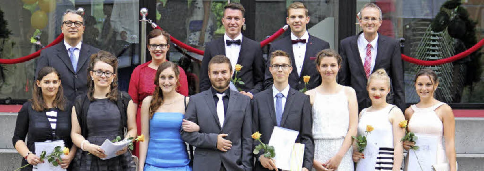 Preisträgerinnen und Preisträger am Beruflichen Gymnasium    Foto: Jakob KatzMANN/Heimschule