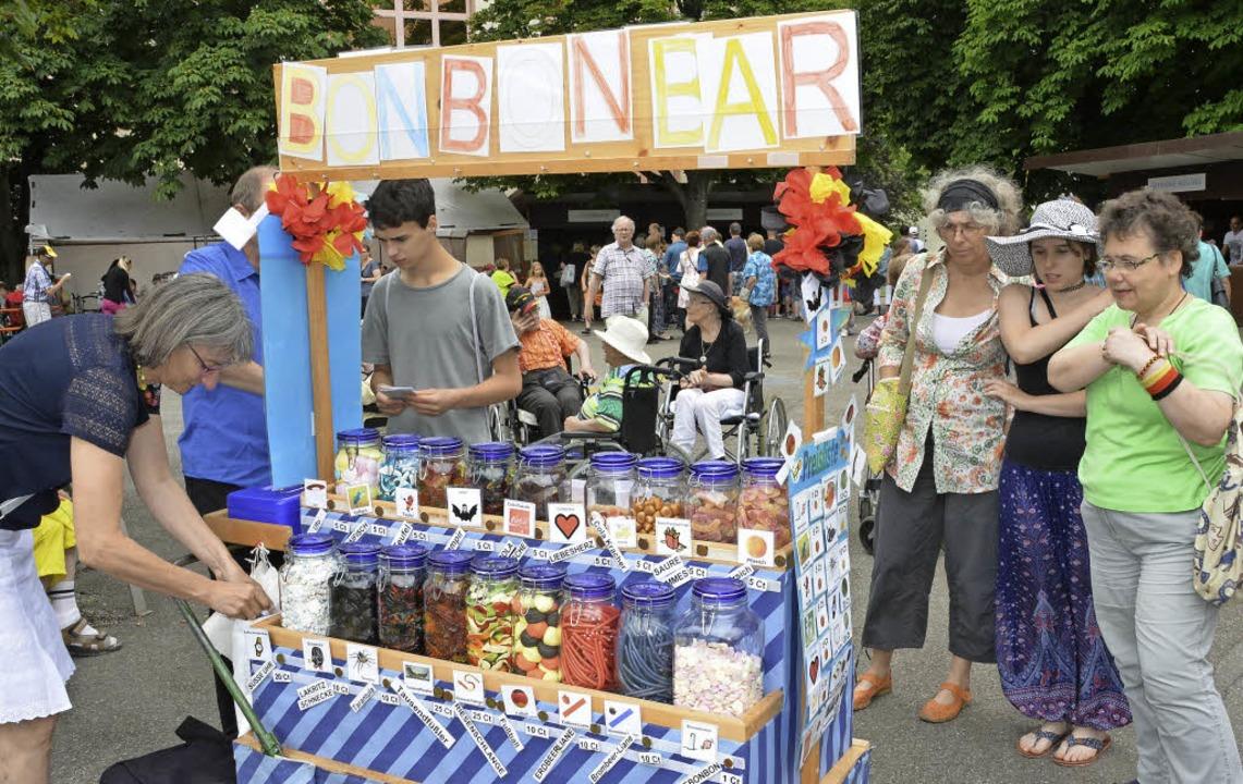 Sehr beliebt und jedes Jahr im Einsatz: die Bonbon-Bar  | Foto: Danielle Hirschberger