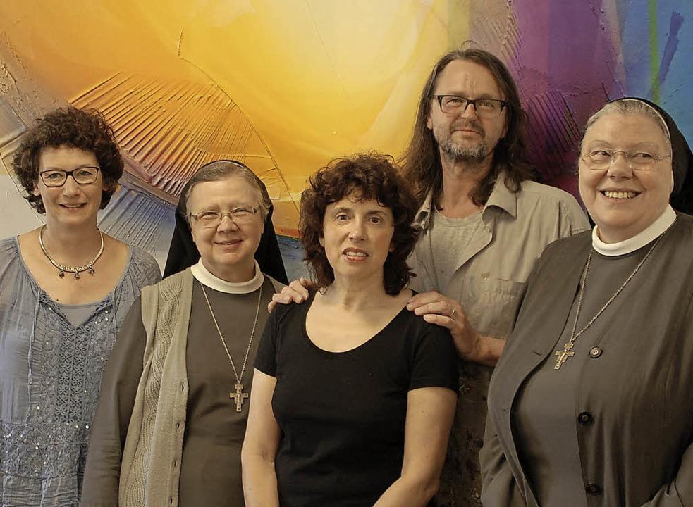 Projekt Begegnungsstätte (v.l.): Gabri...r Michaela Bertsch, die Generaloberin   | Foto: Barbara Puppe