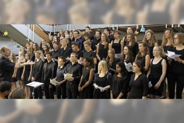 Schüler des Scheffelgymnasium gestalten Konzertabend im Lichthof der Schule
