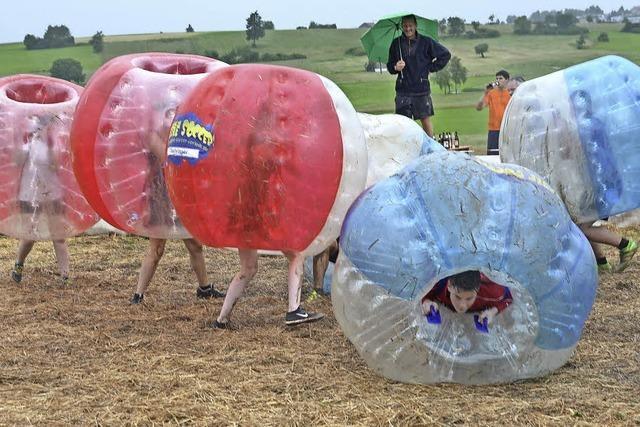 Bubble-Soccer-Turnier bescherte Teilnehmern viel Spaß