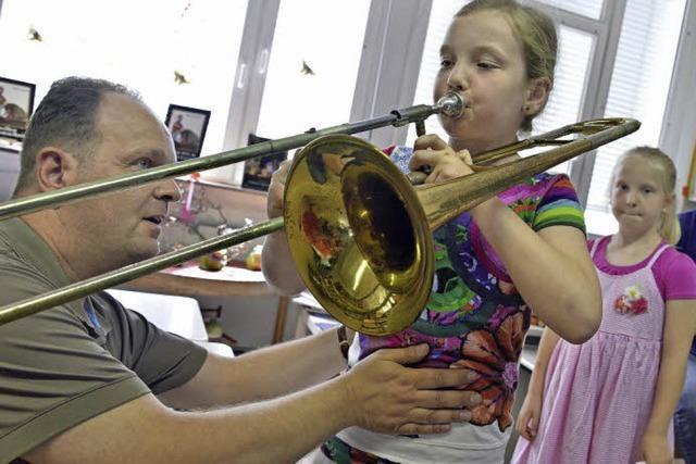 Wie der Musikverein Lehen Kinder und Erwachsene ans Trauminstrument bringen will