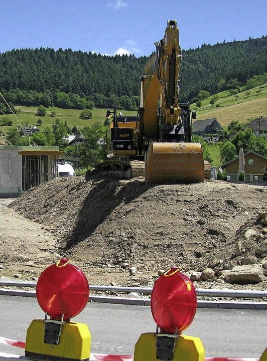Auf dem neu erschlossenen Gelände in M...l haben die Hochbauarbeiten begonnen.   | Foto: Lange