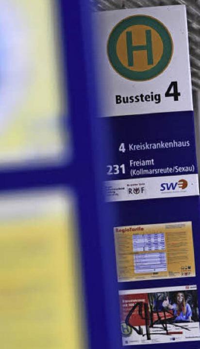Zum Kreiskrankenhaus fährt kein Stadtbus, nur ein Anruf-Sammel-Taxi.   | Foto: Archivfoto: Patrik Müller