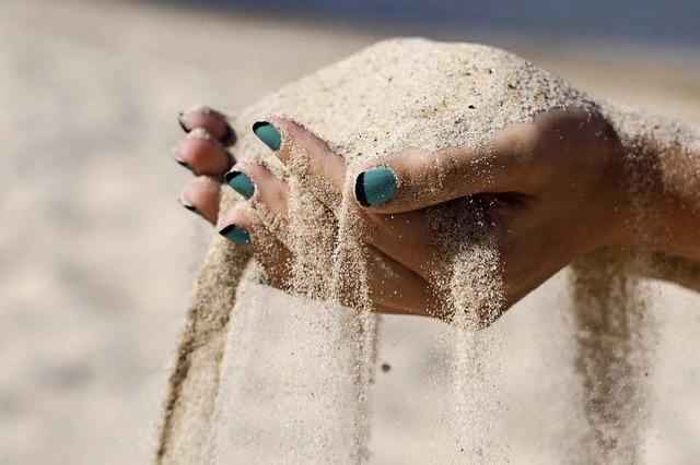 Touristen klauen flaschenweise Sand