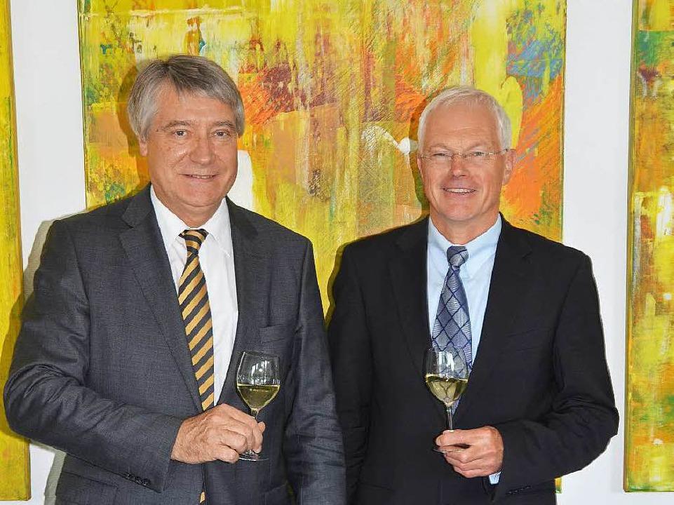 Der Vorstandsvorsitzende Peter Schuste...s) und Vorstandsmitglied Eckart Escher  | Foto: Gerold Zink
