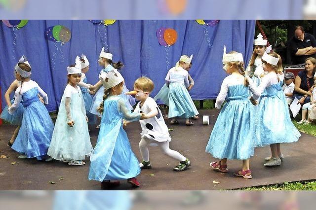Kleines Volksfest im Kindergarten