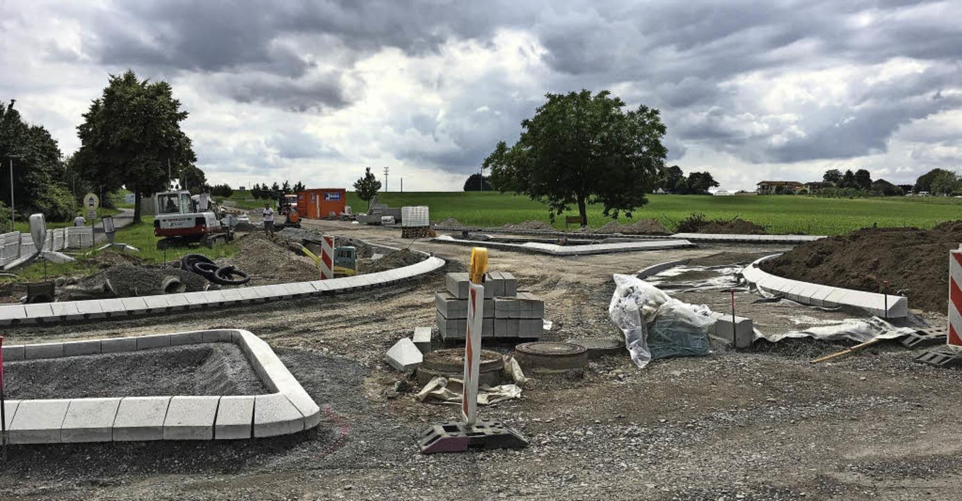 Am südlichen Ortseingang entsteht der neue Kreisel.    Foto: Carlotta Roch
