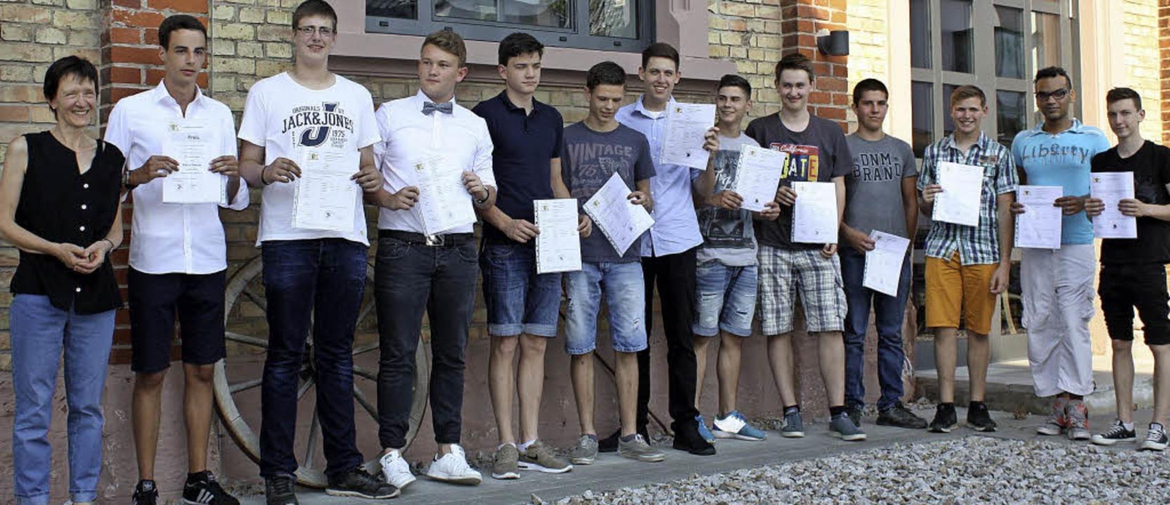 Schüler der zweijährigen Berufsfachsch...n der Gewerbeschule Breisach beendet.   | Foto: privat