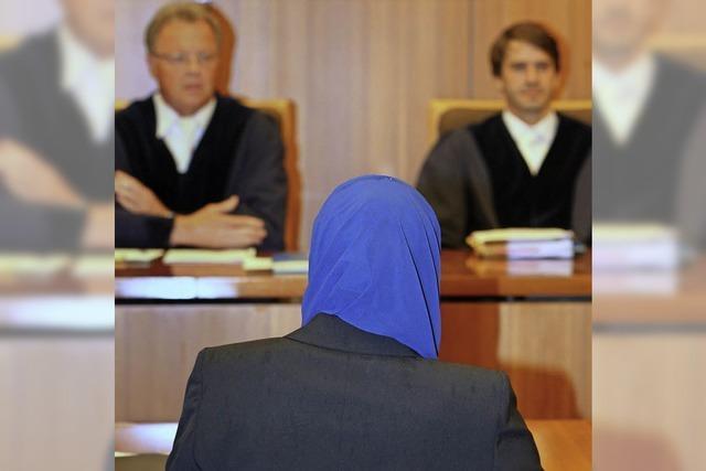 Kopftuchverbot für Rechtsreferendarinnen gekippt