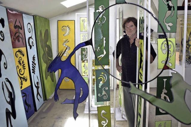 Jörg Siegele schafft farbenfrohe Kunstwerke aus industriellem Dosenblech