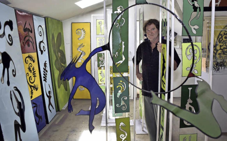 Jörg Siegele in seinem Atelier. Am Son... es für alle Interessierten geöffnet.   | Foto: Thomas Kunz