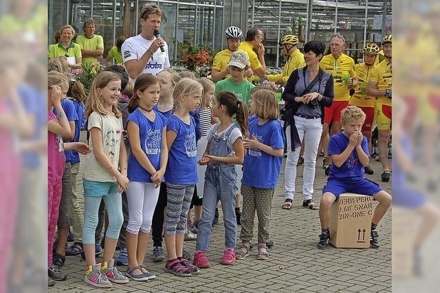 Radler sammeln für kranke Kinder