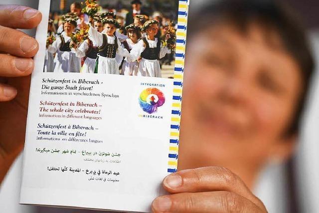 Flyer soll Flüchtlingen Biberacher Volksfest erklären