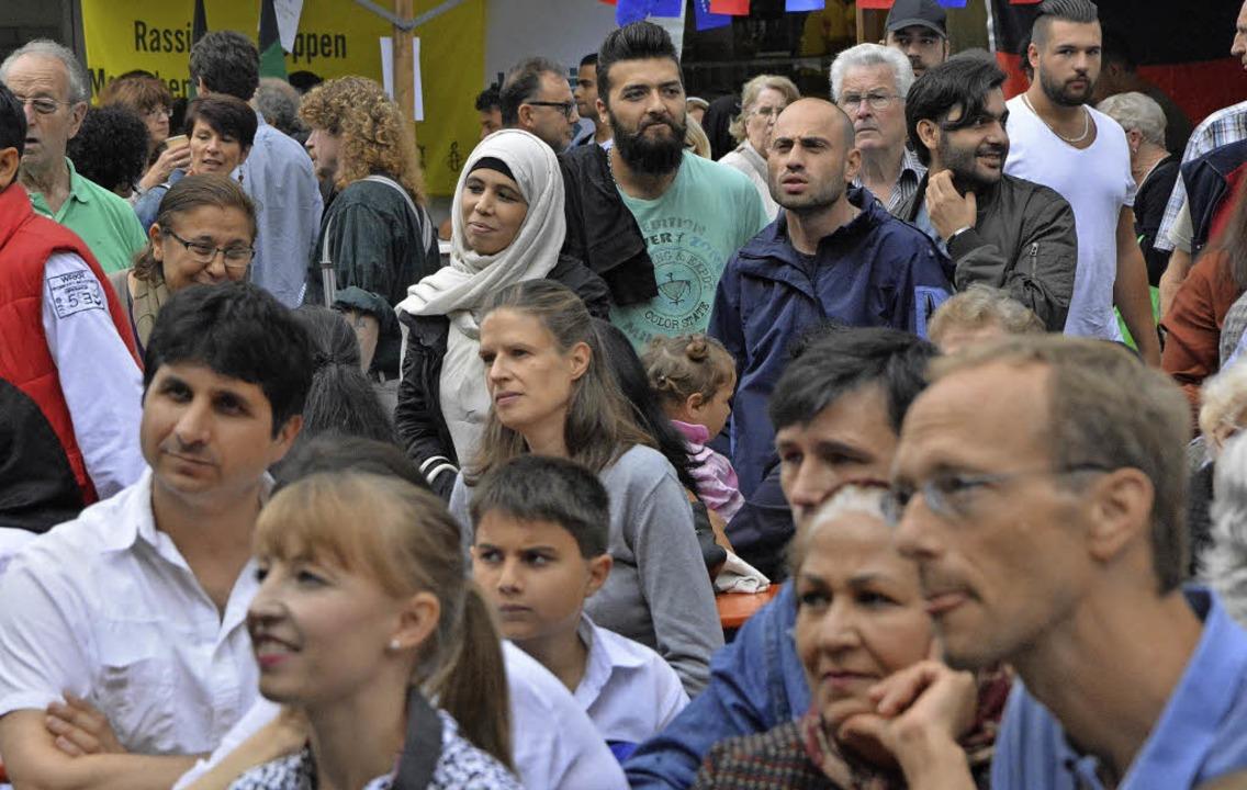Mittendrin, statt nur dabei: Publikum beim Fest.  | Foto: Barbara Ruda