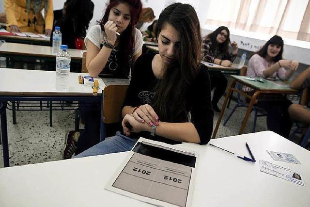 Resignierte Griechen verlassen ihr Land in Scharen