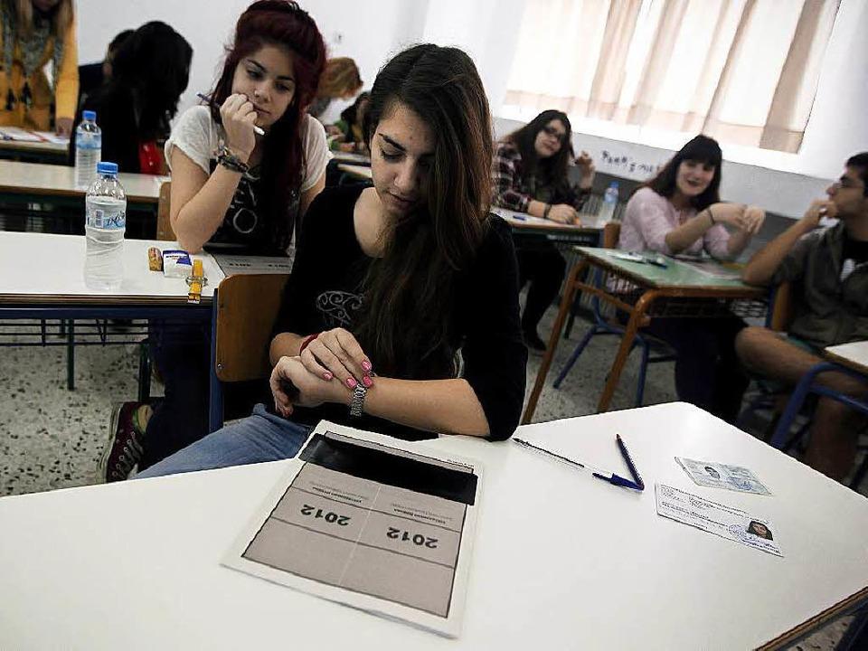 Die meisten Absolventen griechischer U...en derzeit in ihrer Heimat keinen Job.  | Foto: dpa