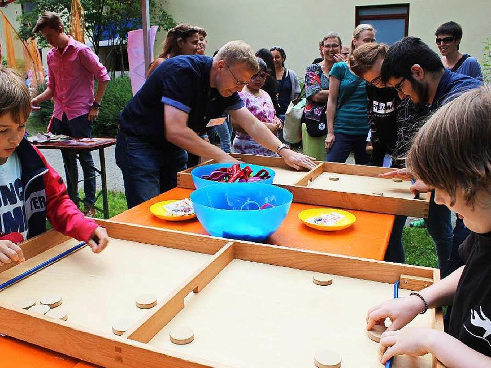 Spiele für groß und klein überall auf dem Gelände  | Foto: Erich Krieger