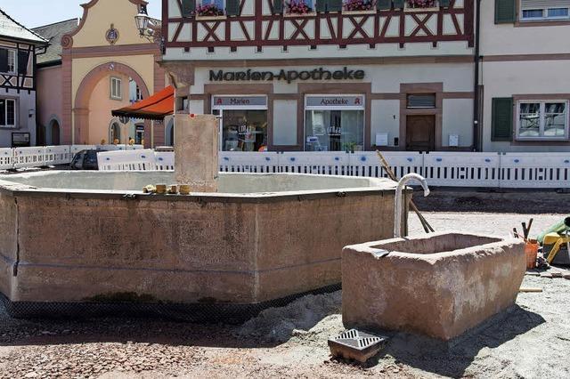 Zwei Brunnen vor dem Tore