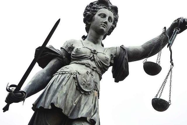 Neuenburger Feldmordprozess: Mutter des Opfers sagt aus